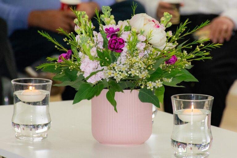 מרכזי שולחן וסידורי פרחים