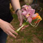 עיצוב פרחים לכסאות כלה לכלות בלוד5