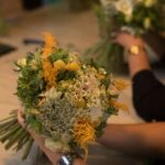 רווה בפרחים - סדנאות שזירת פרחים למבוגרים, סדנאות שזירה לילדים ועמדת השזירה לאירועים בלוד